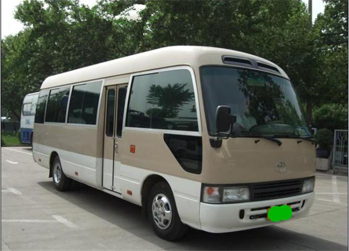 23-Seat Van-01