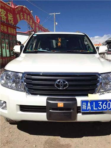 5-seat Van-03