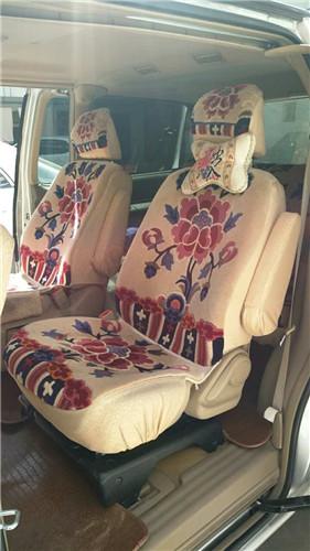 7-seat Van-03