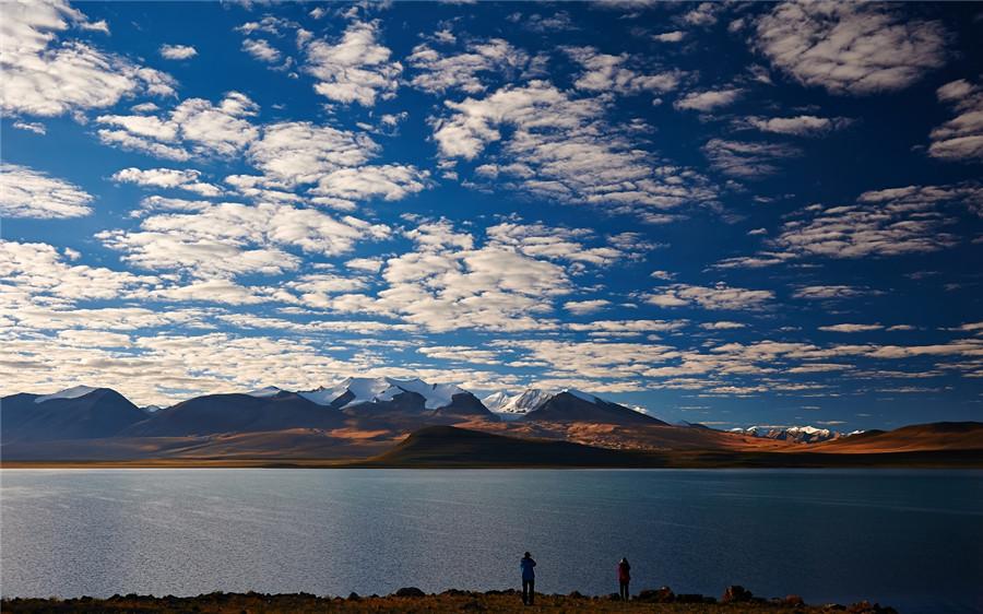 Ang Larencuo Lake in Zhongba County, Shigatse