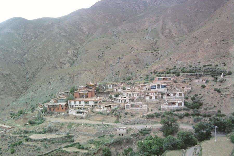 Baqin Hao Monastery in Samzhubzê District, Shigatse