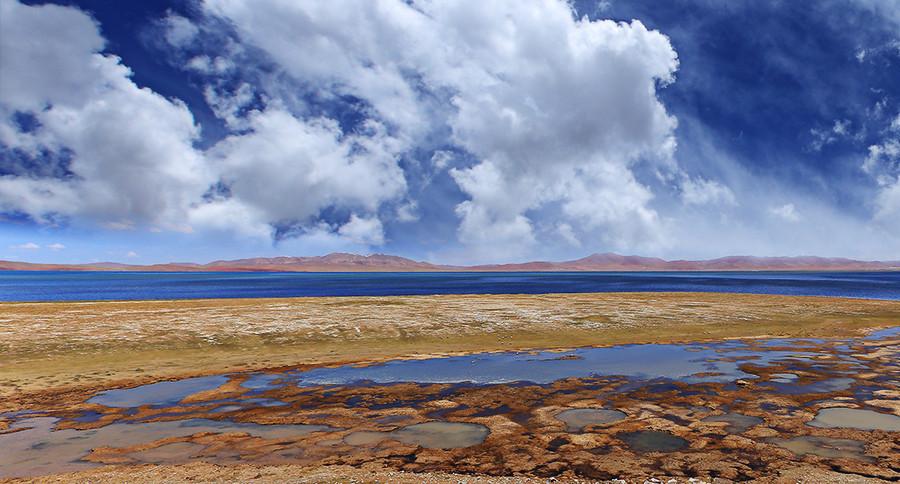 Cona Lake in Amdo County, Nagqu