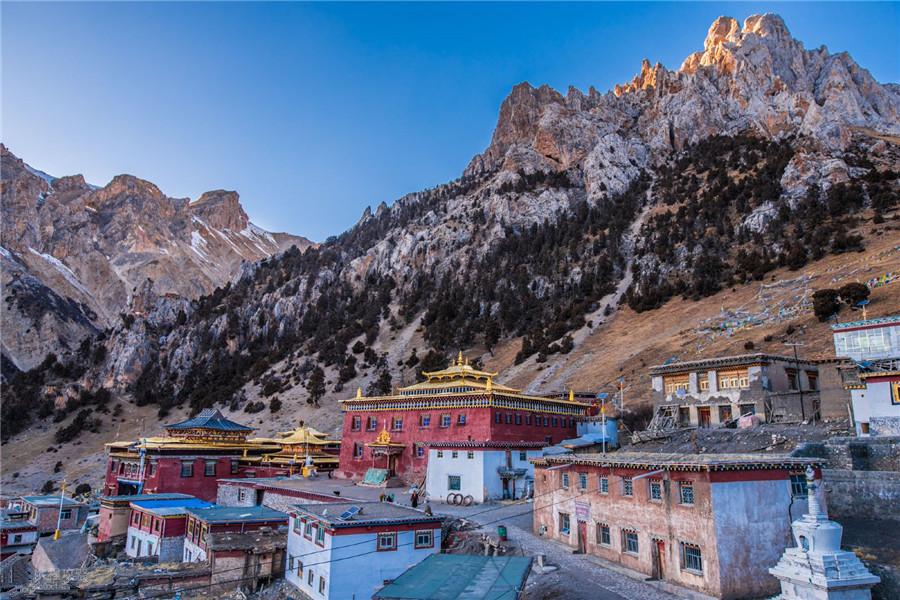 Dana Monastery in Namling County, Shigatse
