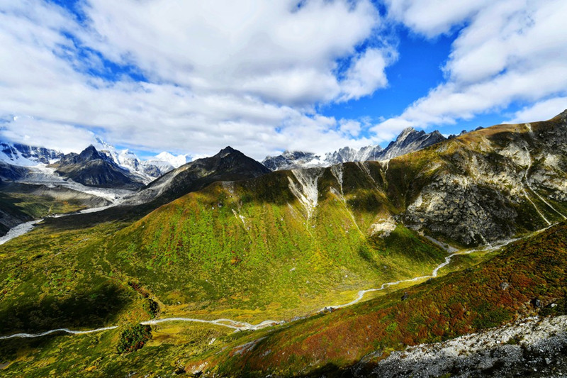 Gamagou Valley in Tingri County, Shigatse
