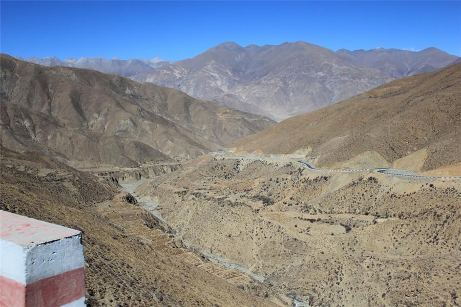 Ganbala Mountain in Nagarze County, Lhoka (Shannan)