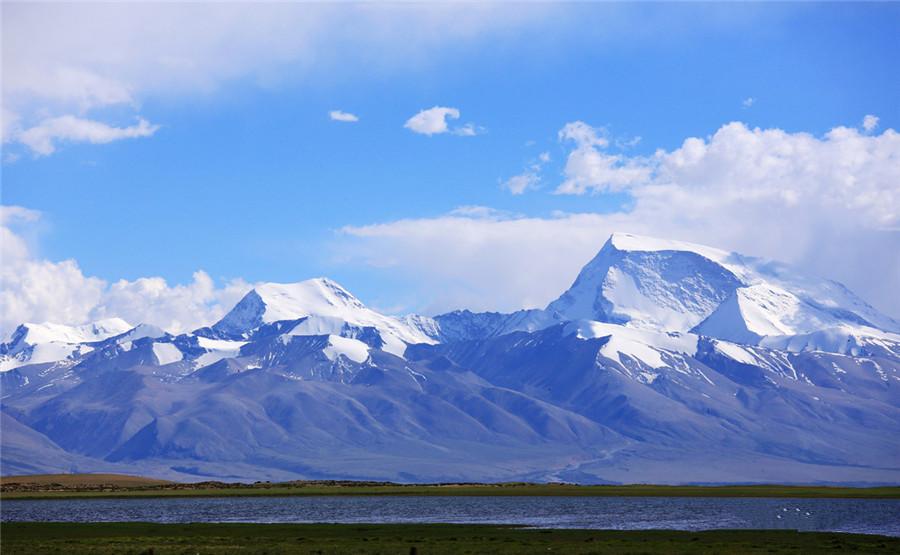 Gurla Mandhata Peak in Burang County, Ngari