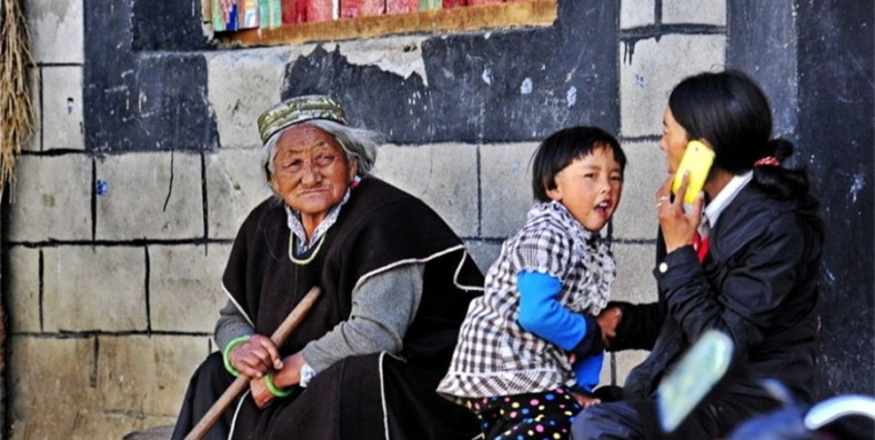 11 Days Tibet Highlights Tour with Mount Everest Base Camp Adventure