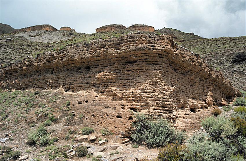 Lieshan Ancient Tombs in Nang County, Nyingchi