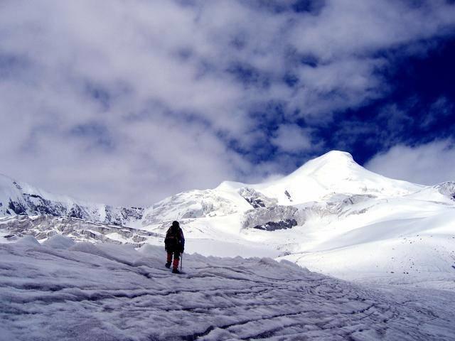 Luzi Peak in Damxung County, Lhasa