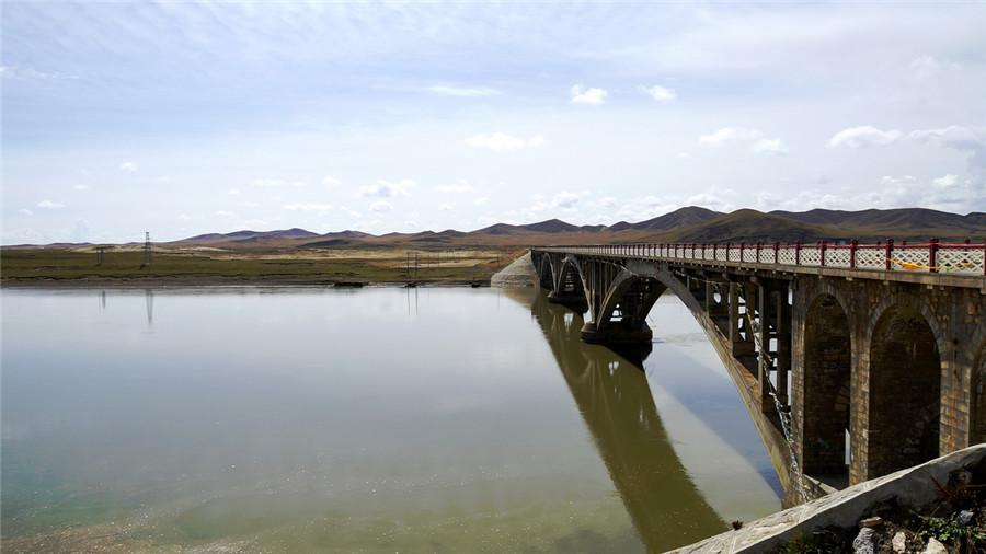 Mozhuma Qu River in Maizhokunggar County, Lhasa