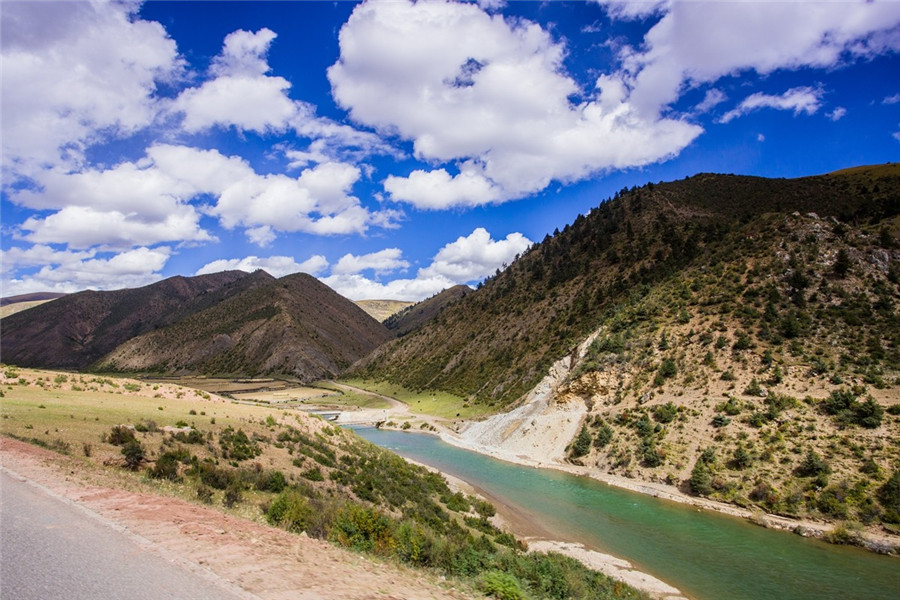 Nujiang River in Tibet