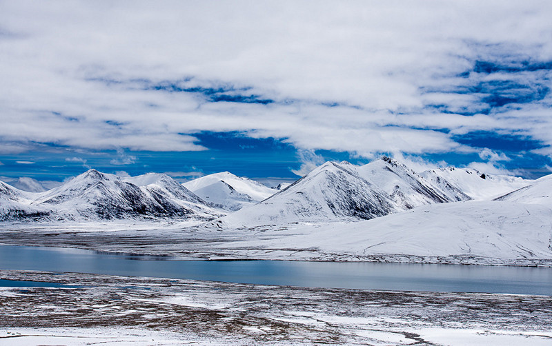 Nyenchen Tanglha Glacier in Baingoin County, Nagqu
