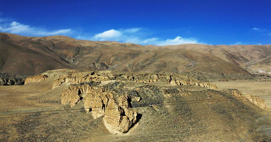 Qusum Ancient Tomb in Qusum County, Lhoka (Shannan)