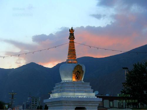 Ricuo Zhuowa Tower in Nyemo County, Lhasa