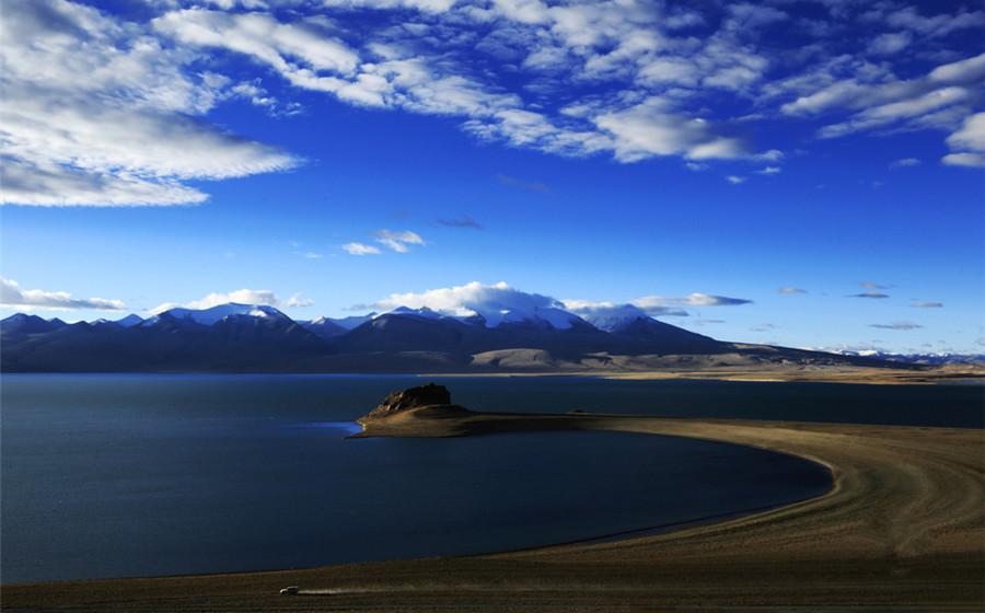 Rinqin Xubco Lake in Zhongba County, Shigatse