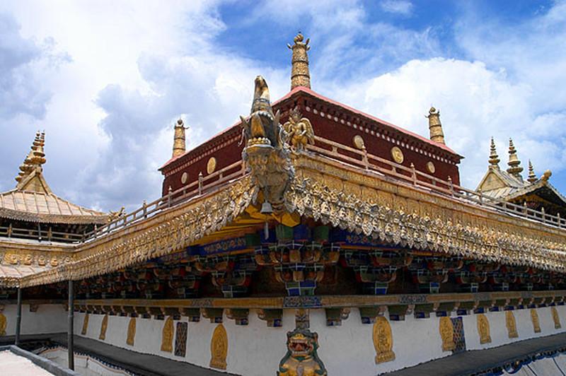 Sanggha Fangtuo Temple in Lhozhag County, Lhoka (Shannan)