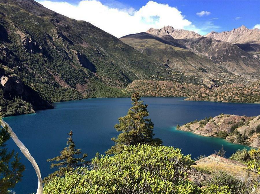 Sanse Lake in Banbar County, Chamdo