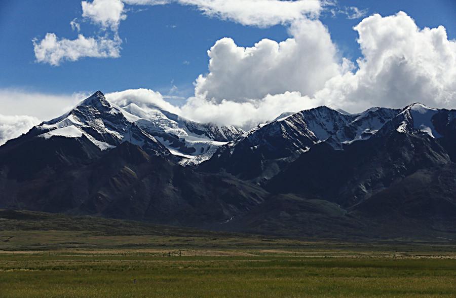 Shishapangma Mountain in Nyalam County, Shigatse