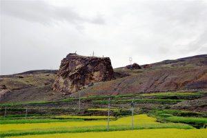 Simila Mountain in Gyangze County, Shigatse