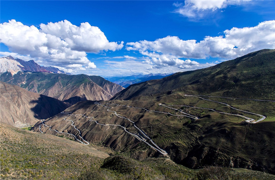 The 72 Turns of Nujiang River Grand Canyon in Baxoi County, Chamdo