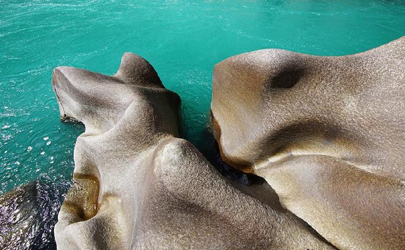 The Cimolite Rock in Zayu County, Nyingchi