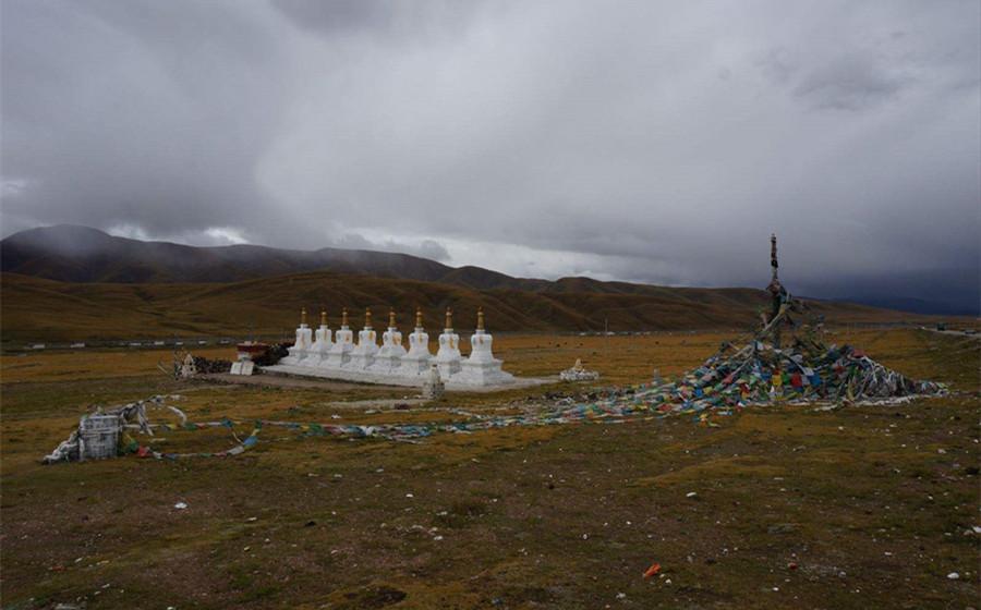 The Eight White Pagodas in Seni District, Nagqu