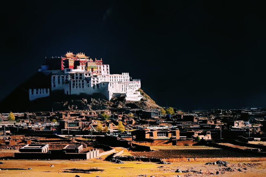 Tsanden Monastery in Sog County, Nagqu