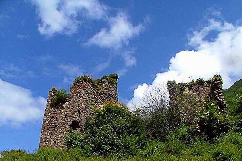 Turret Site in Nuomi Village of Gyaca County, Lhoka (Shannan)