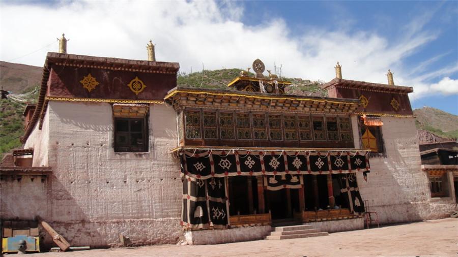 Yanduo Monastery in Zhagyab County, Chamdo