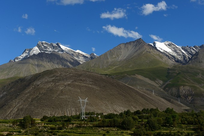 Zanxiari Peak in Nyemo County, Lhasa