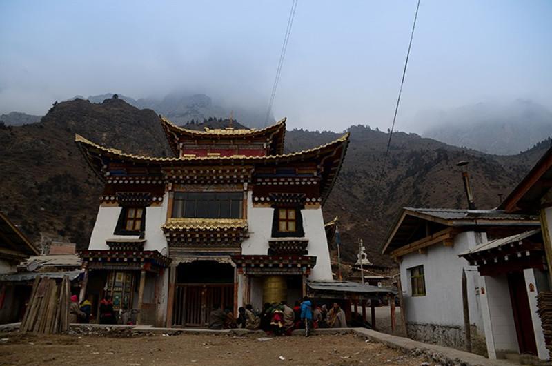 Zhasang Monastery in Ngamring County, Shigatse