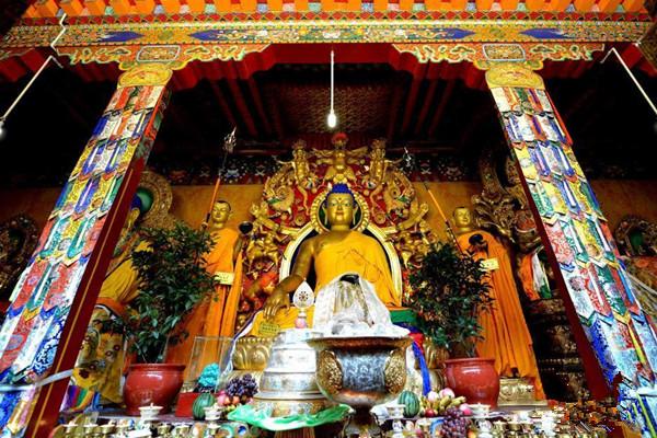 Zhaxijipei Monastery in Xaitongmoin County, Shigatse