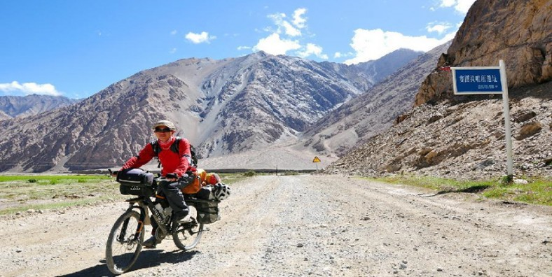 21 Days Tibet-Nepal Cycling Tour from Lhasa to Kathmandu
